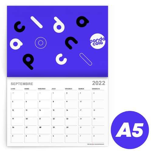 Calendrier de bureau - Calendrier 2022 agrafé mensuel personnalisable A5 de 24 pages 135 g/m² - Kayo - Pandacola